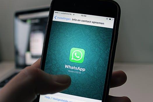O WhatsApp  para receber informação médica
